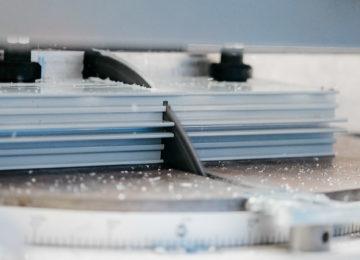 Резка алюминиевого профиля.